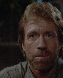 Chuck Norris: nietylkożarty okopie zpółobrotu