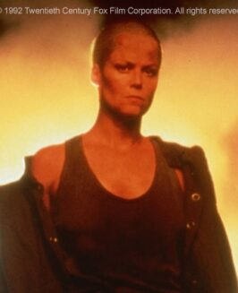 """""""Obcy 3"""": dlaczego Sigourney Weaver jest łysa? Ciekawostki o filmie"""